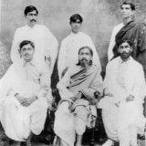 श्रीअरविंद अन्य क्रांतिकारियों के साथ